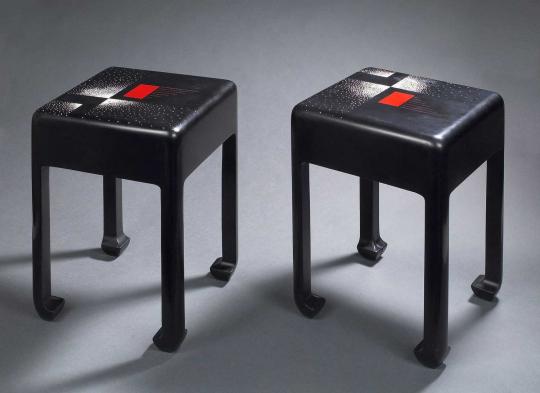 Gaston SUISSE (1896-1988) - Bout de canapé en laque de chine noire. 1921.