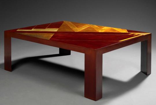 Gaston SUISSE (1896-1988) - Table basse en laque de Chine cuir, vers 1926.