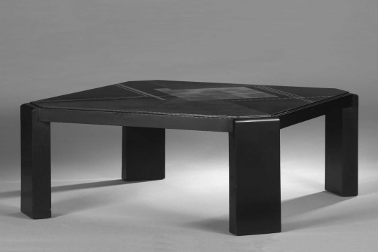 Gaston SUISSE (1896-1988) - Coffee table in black lacquer. Around 1930.