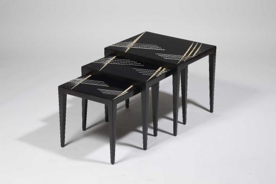 Gaston SUISSE (1896-1988) - Tables gigognes en laque noire. Circa 1925.
