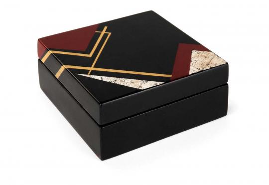 Gaston SUISSE (1896-1988) - Boîte carrée en laque de Chine, circa 1929.